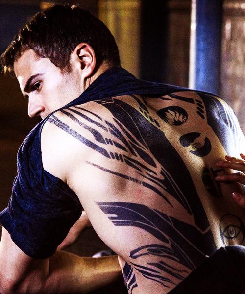 theo james in divergent | Men | Divergent theo james ...