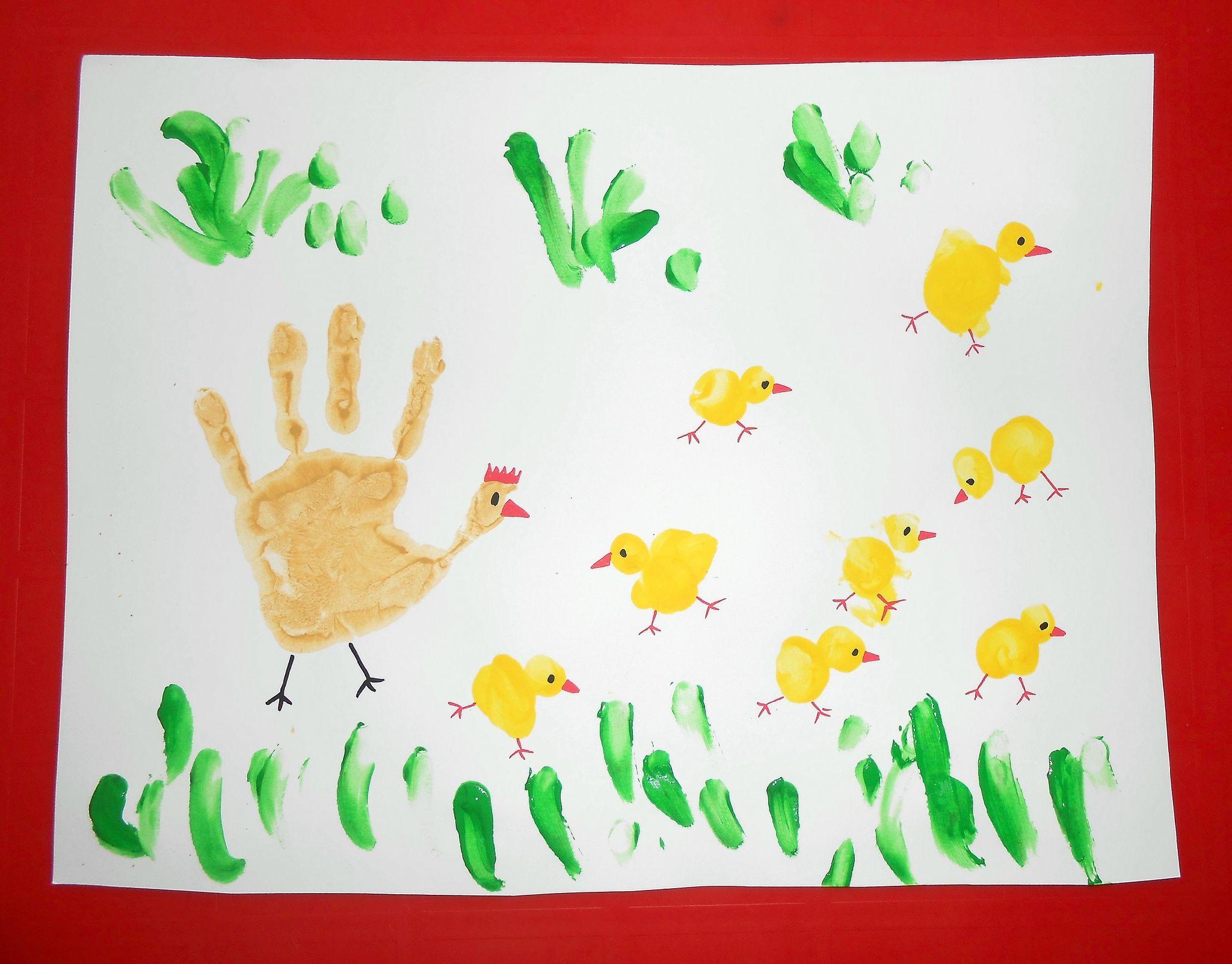 Empreintes activite manuelle peinture bebe enfants mains poule poussins facile paques tableau - Peinture main enfant ...