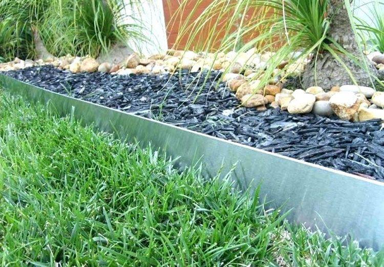 43 Best Lawn Edging Ideas 2020 Guide In 2020 Lawn Edging Landscape Edging Plastic Lawn Edging