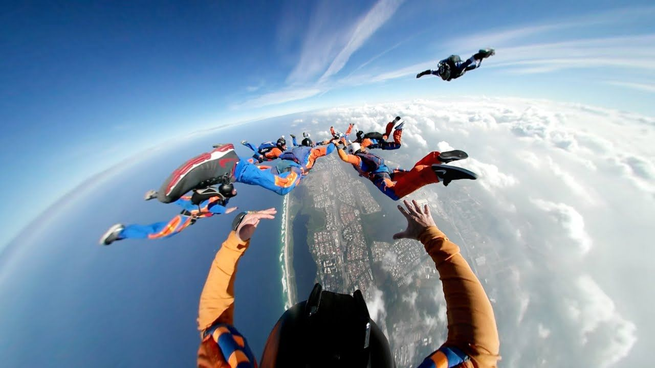 Group Skydiving Is A Team Effort Filmed With The Samsung Gear 360 You Re No Longer A Bystander You Re Part Of The Team A Samsung Gear 3 Samsung Gear Samsung