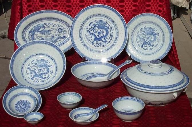 The quintessential Chinese dinnerware Rice Pattern is named as such for the grains of & The quintessential Chinese dinnerware Rice Pattern is named as ...