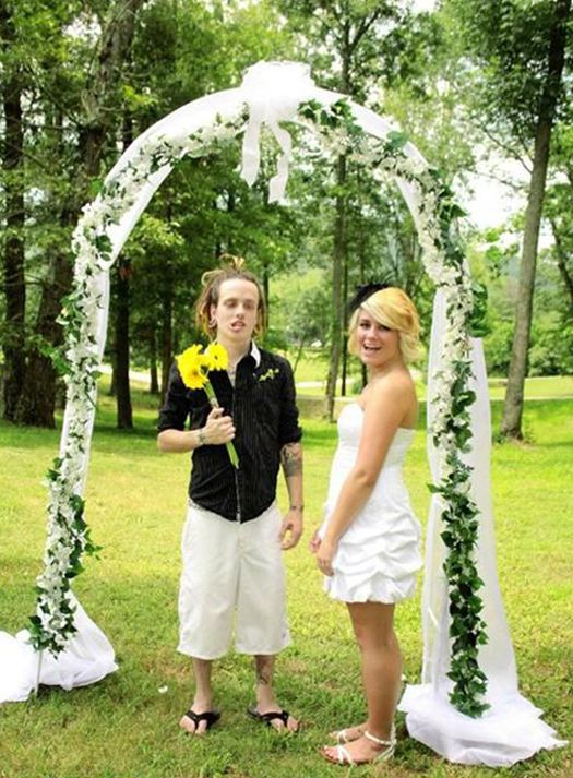 Bad Wedding Photos.Here Comes The Awkward 14 Funny Wedding Pictures Awkward Family