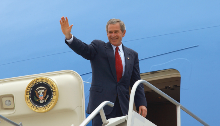 While President Obama has been at his favorite vacation spot in Hawaii for days now, it not always was this way.    In fact, for the 8 years of George W. Bush's presidency, he never left the D.C. area until the day after Christmas. One year areporter, the Washington Times' Joseph Curl
