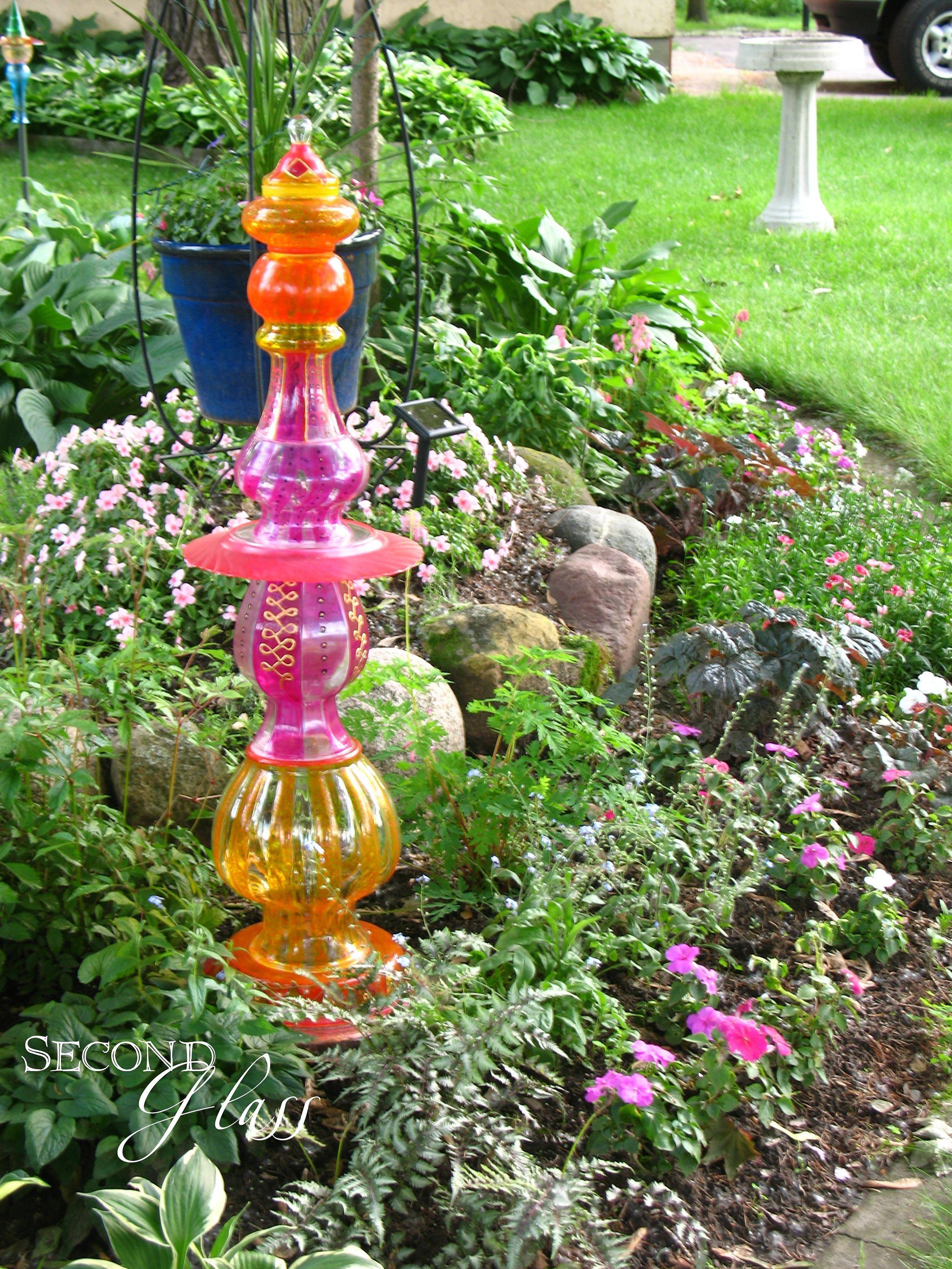 Ordinaire ... Glass Yard Art Design Ideas For Your Garden Decor  Https://decorathing.com/garden Ideas/easy 25 Diy Glass Yard  Art Design Ideas For Your Garden Decor/