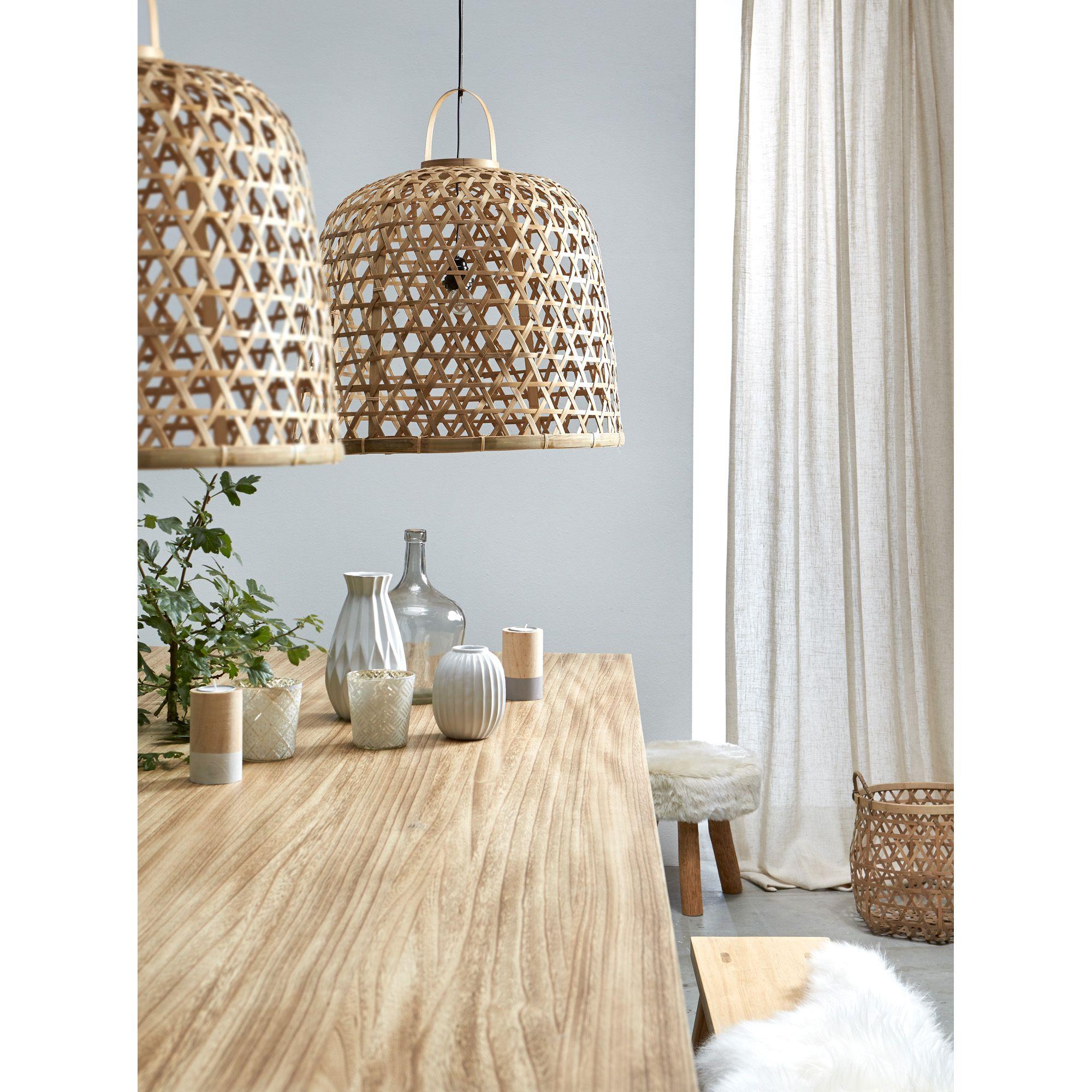 Deze rieten lampenkappen geven een zachtere uitstraling for Interieur woonkamer