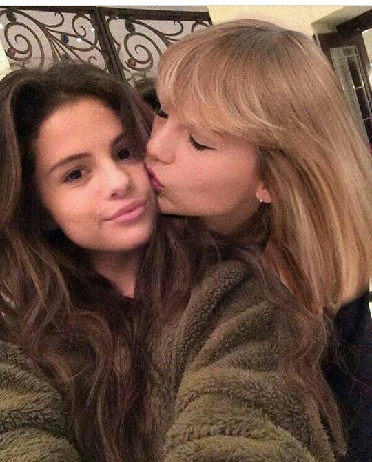 Pin By Olivia Schnoor On Girl Crushes Selena And Taylor Selena Gomez Taylor Swift
