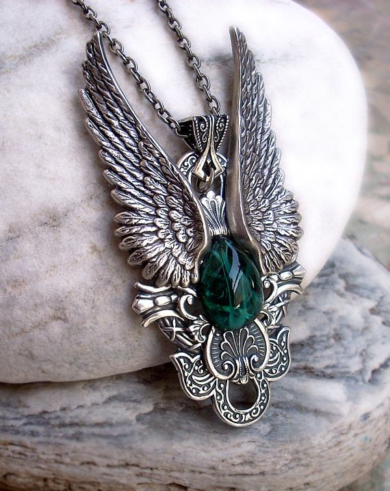 Angel Wings Necklace Womens Mens Green Gothic Jewelry by Aranwen, €68.25