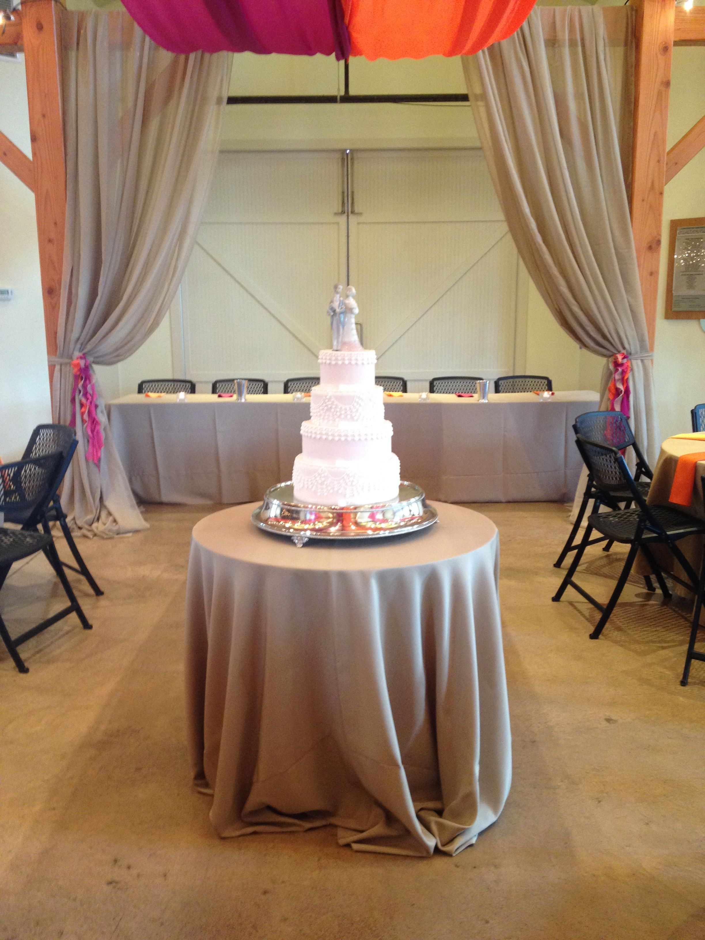What a great location for this beautifully detailed cake at the Amelita Mirolo Barn.  www.amelitamirolobarn.com