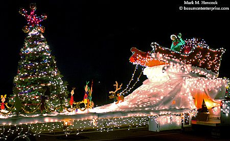 Christmas Float Ideas With Lights.Lighted Christmas Parade Float Ideas As The Grinch