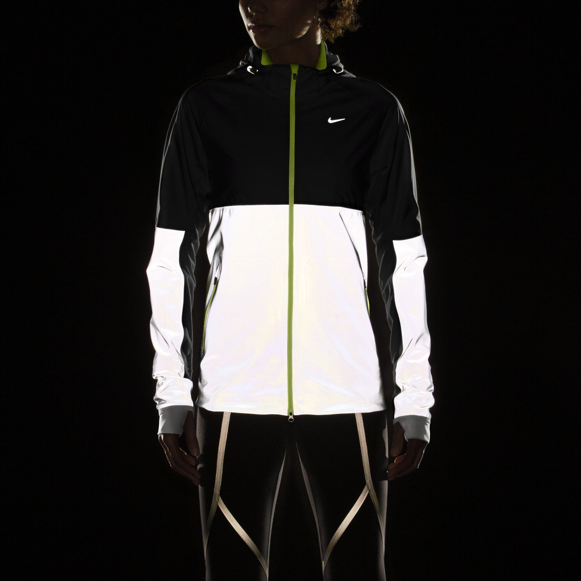 Nike jacket glow in the dark - Nike Shield Flash Women S Running Jacket Love The Reflection For Running In The Dark
