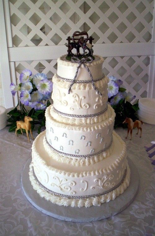 Western Theme Wedding Cake Buttercream Frosting Rope Braid Is Artificial