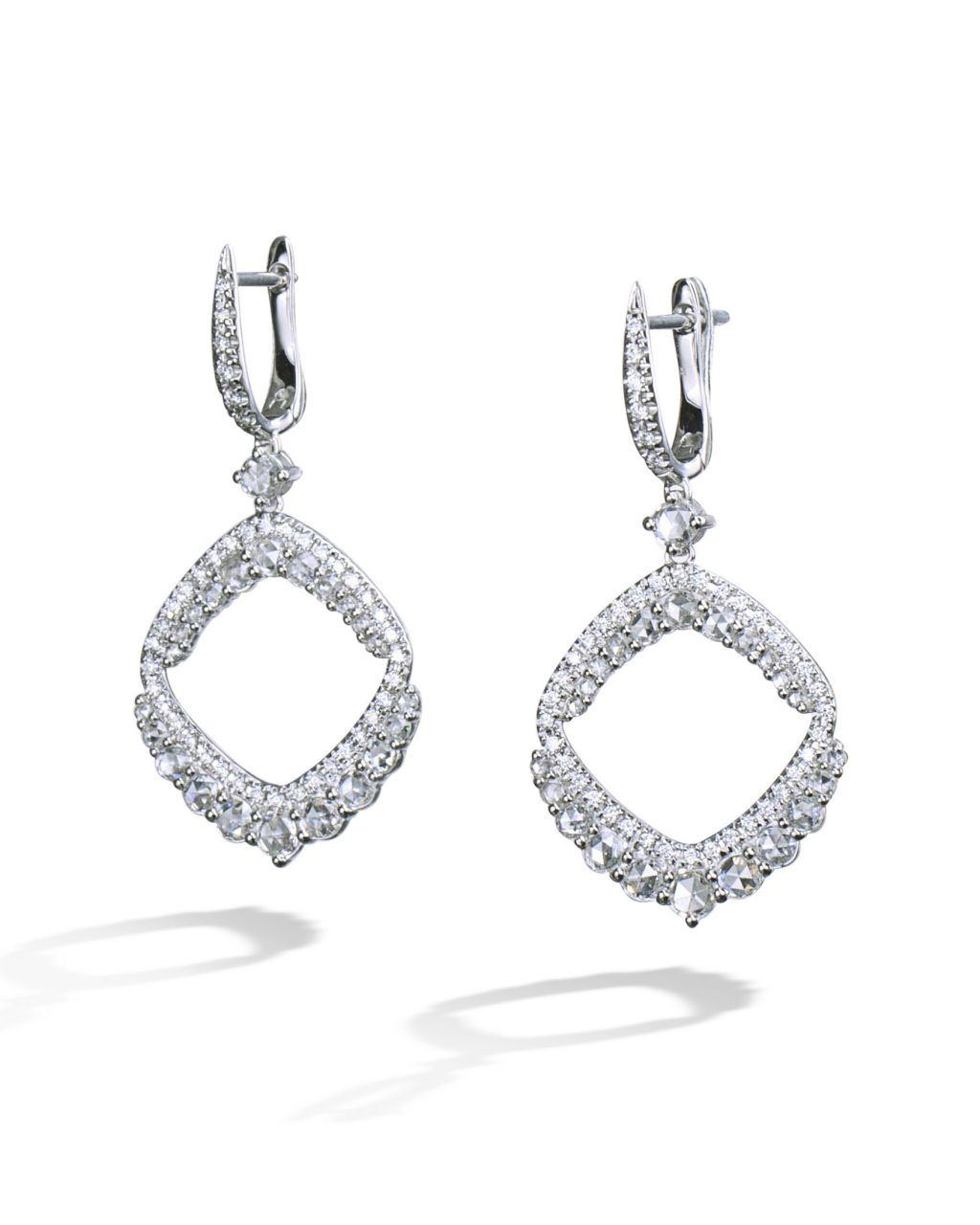18 Karat White Gold Earrings Set With 46 Rose Cut Diamonds And 84 Round Brilliant All Weigh A Total 1 52 Carats