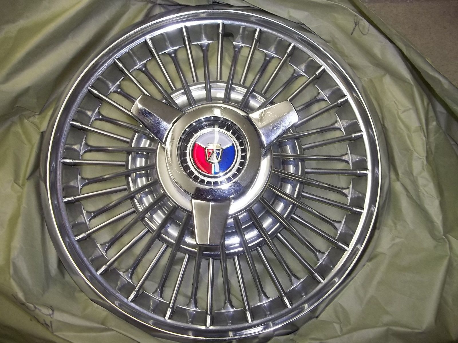 1964 Galaxie Or Mustang Wire Wheel Spinner Hubcaps New Original
