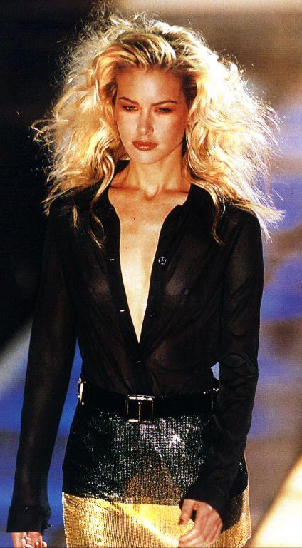 gianni versace autumn winter 1996 1997 milan fashion week supermodel valeria mazza 90. Black Bedroom Furniture Sets. Home Design Ideas