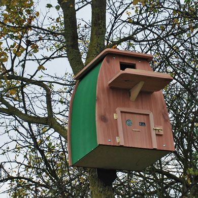 Barn owl box - Nesting box for a barn owl, tawny owl or ...