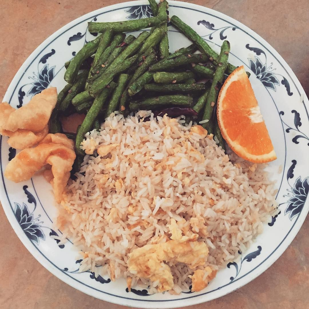 Lunch special: hot&spicy string beans with fried rice #lunch #popular #vegetarian #chinesefood #localbusiness #visitnapavalley #supportsmallbusinesses by goldenharvestsh