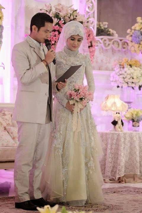 Foto pre wedding muslim modern dress