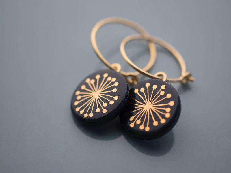 Vergoldete Ohrringe - Creole 'Fiori' Gold auf Schwarz ...