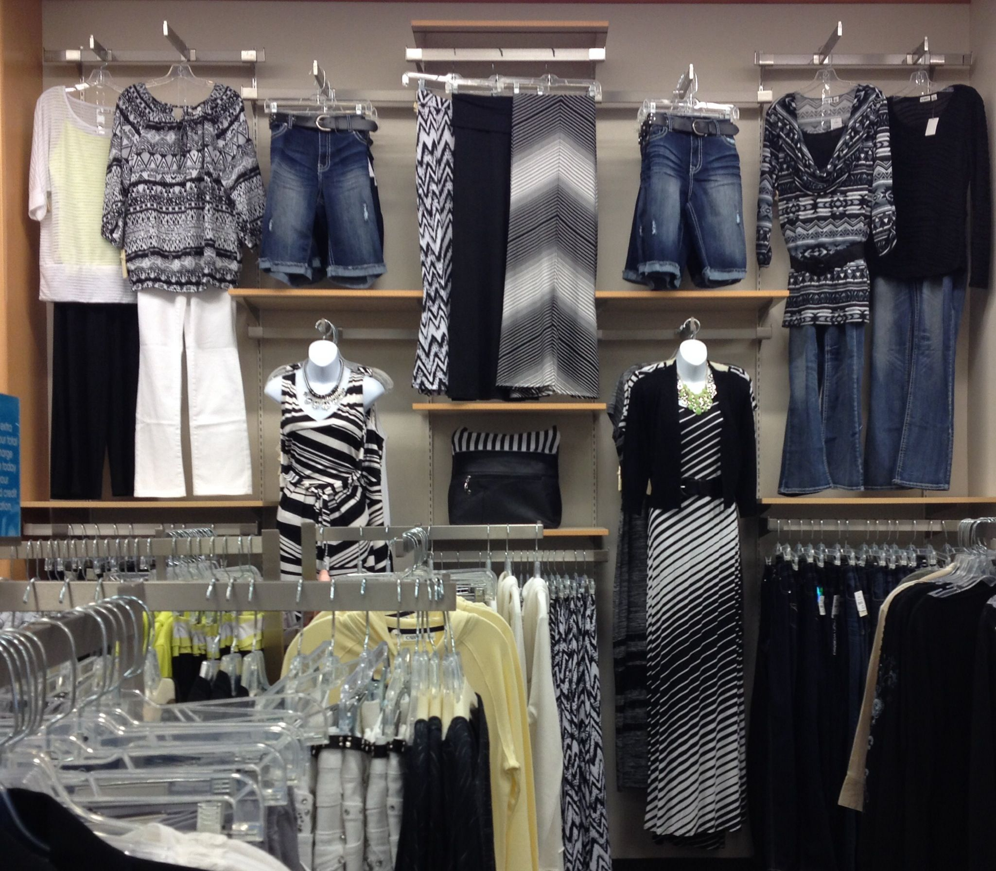 White And Black Trend Casual Wall