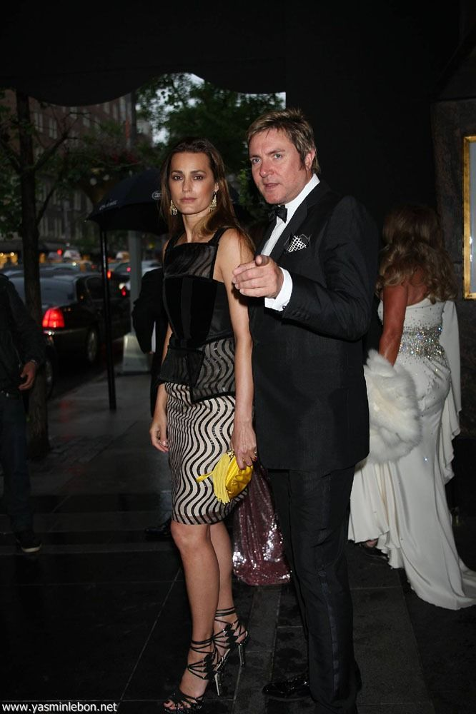 Simon and Yas are charming even on rainy days ♥