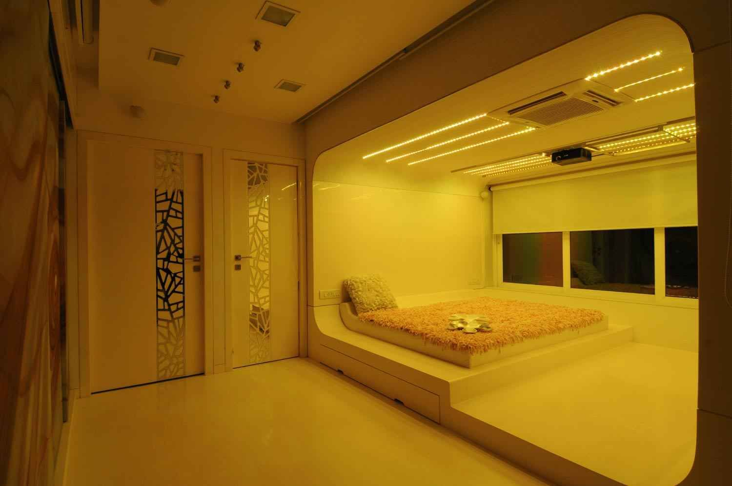Beautiful Yellow Themed Luxury Bedroom Design By Sonali Shah Architect In Mumbai Maharashtra
