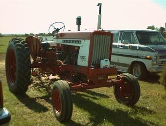 Farmall 504 Tractor Parts Manual Patio, Lawn & Garden Agricultural ...