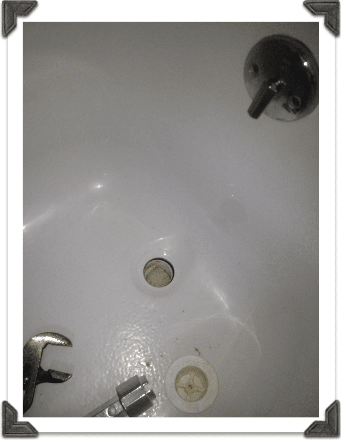Cleaning Off Plumbers Putty In Bathtub In 2020 Bathtub Drain Drain Repair Bathtub