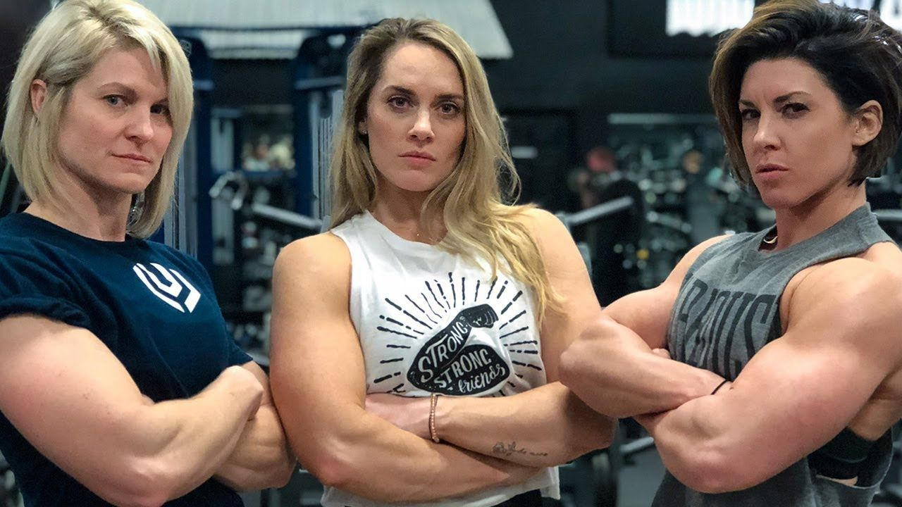 Women Try The Full Nfl Combine 225 Bench Press For Reps Dana Linn Ba Bench Press Body Building Women Fitness Models Female