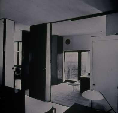 Afbeelding van Rietveld Schröderhuis - interieur boven - vanuit ...