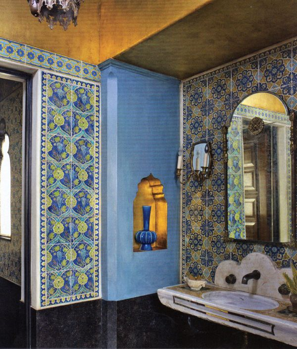 Designer Madeline Stuart, Artist Jean Horihata. Walls were hand-painted to look like Islamic tilework.  Photographed by Simon Upton.