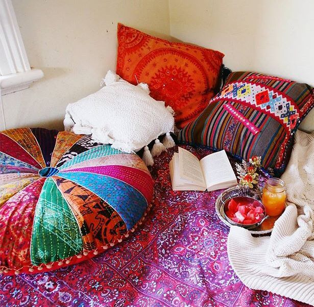 Poufs and pillow corner