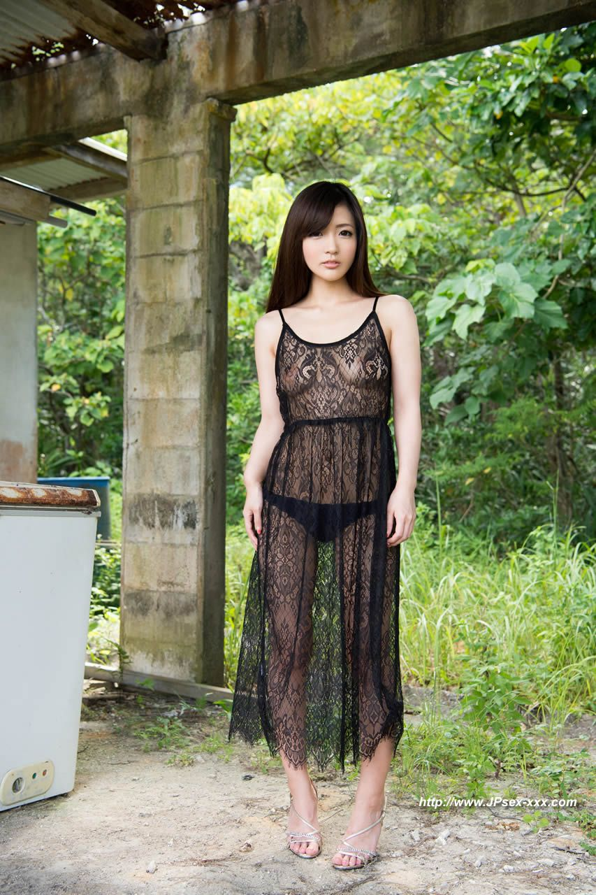 Momo Yoshizawa » Japanese » East Babes
