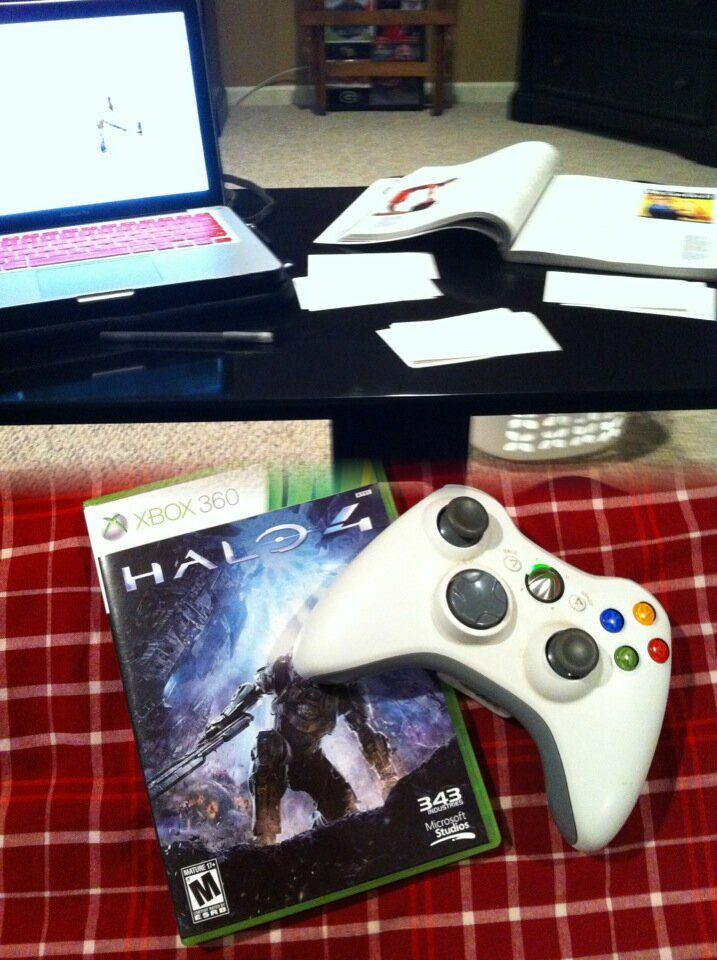 @cubegrl #everydayecon Opportunity Cost:if I don't study my next best option is Halo4 #UWGEcon