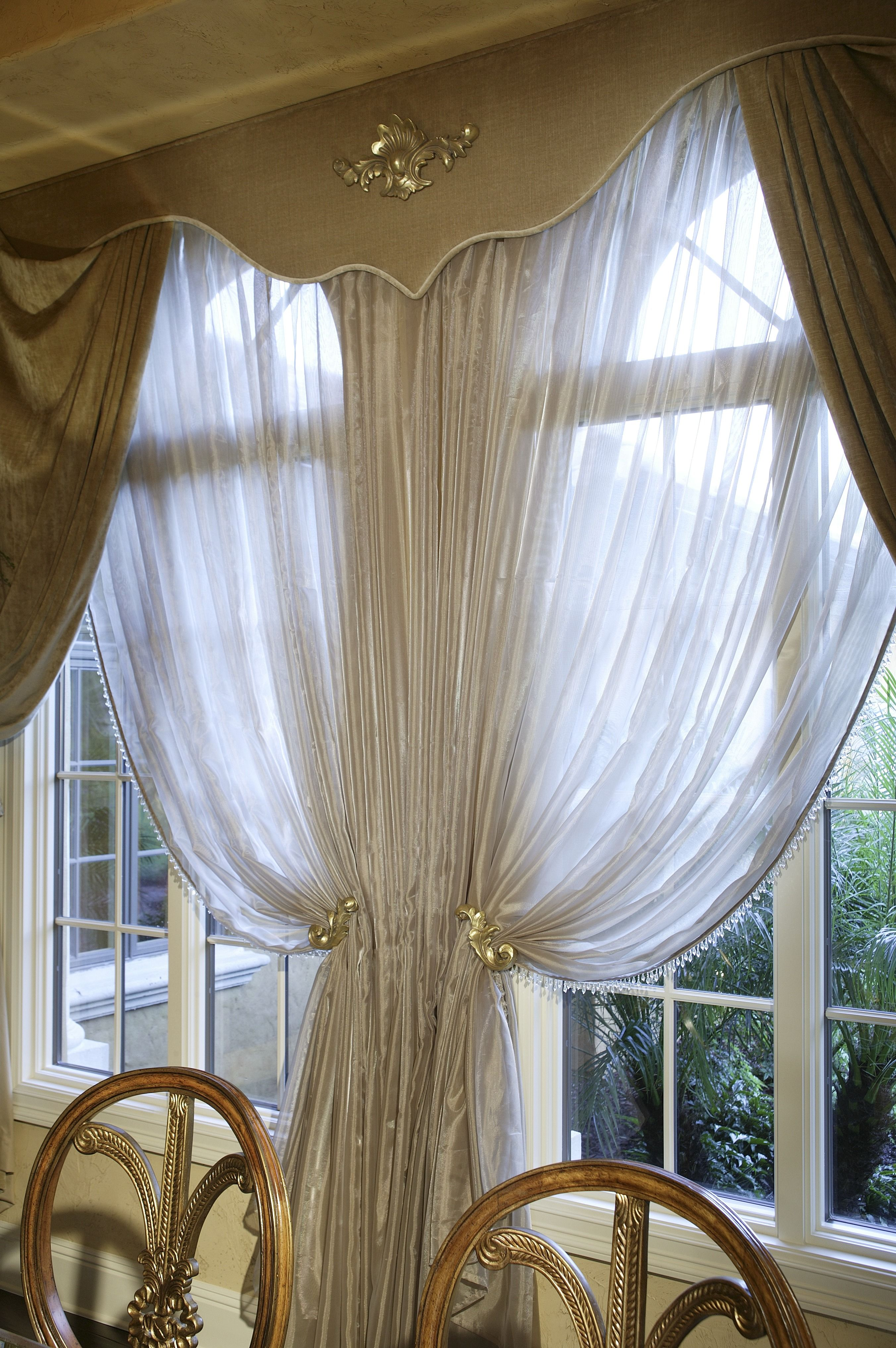 The Gold Drapes Along With Sheer White Curtains Go So Well Traditional Dining Room