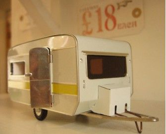 """Adorable mini trailer. Or """"caravan"""" as they're called on this UK site."""