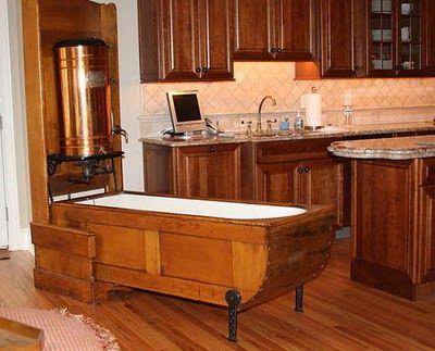 Storage Glee Wow A Murphy Style Tub With Images Tiny House Bathroom House Bathroom Portable Bathtub