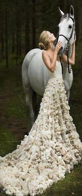 Romantic horse bride stunning leila hafzi floral for Forest wedding dress vintage