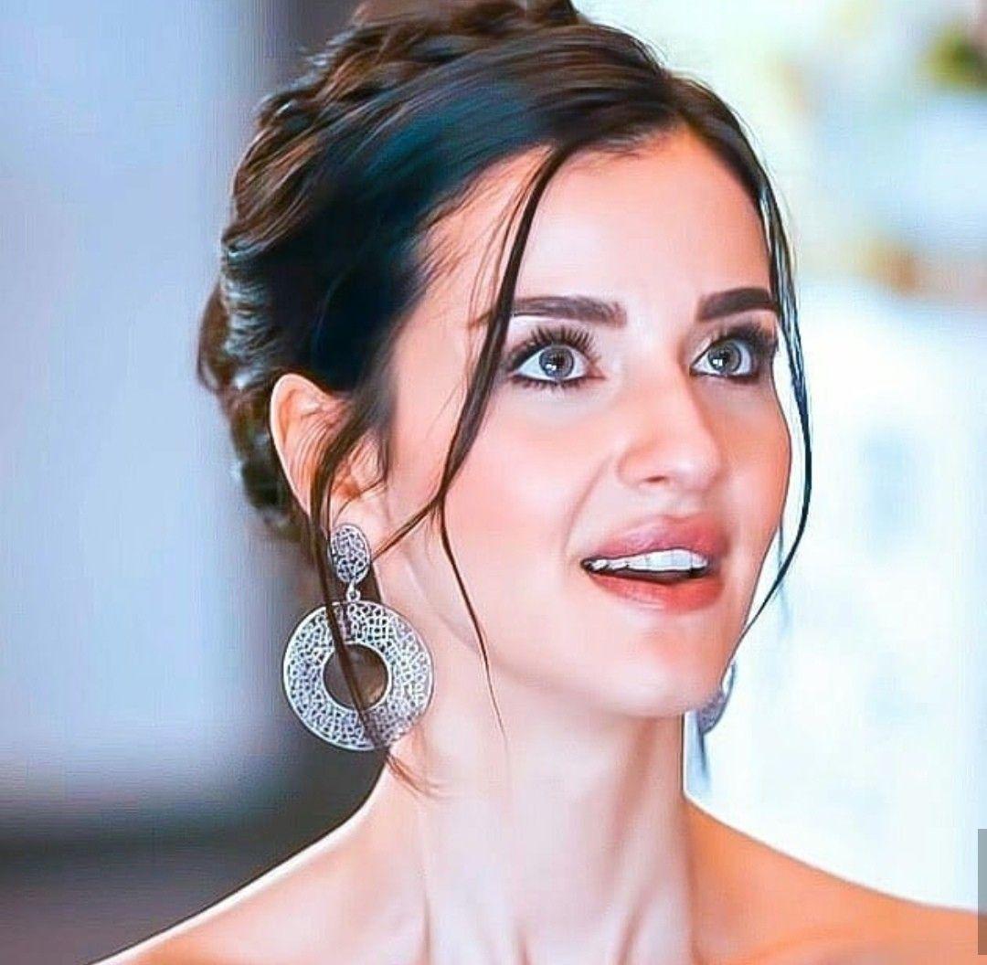 Pin By Salma Belhaji On Sen Anlat Karadeniz Turkish Beauty Beauty Perfect Couple
