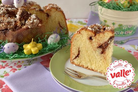 Per #Pasqua possiamo preparare una dolce Corona alla nocciola: una #focaccia golosa che piacerà a tutti.  Clicca per scoprire la ricetta di @Morena Roana per Valle'...