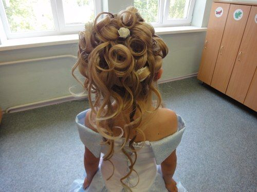 Little Girl Hairstyles Updos: Curly Wavy Updo For Little Girls
