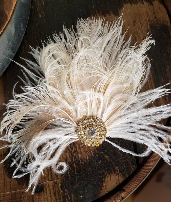 Small Feather Fascinator Headpiece, Wedding Hair Accessories for Brides, Great Gatsby style, 1920's, Ivory Hair Clip, Bridal Hair Comb #fascinatorstyles