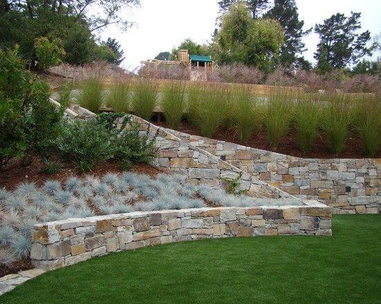 hanggarten gestalten ebenen definieren stützmauer stein ziergräser, Garten Ideen