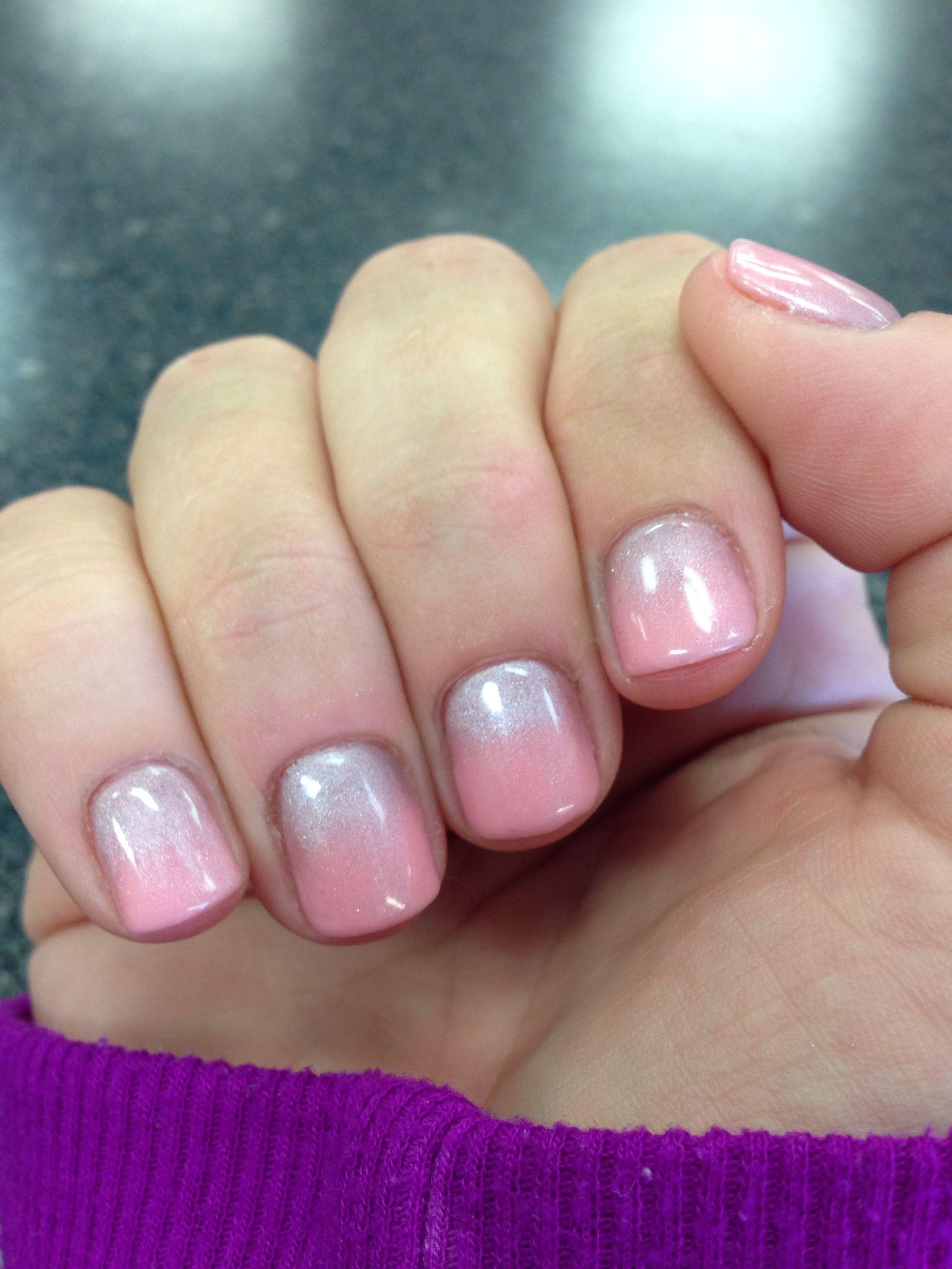 I used eyeshadow over gel polish #SmokeyNails #nails #nailart ...