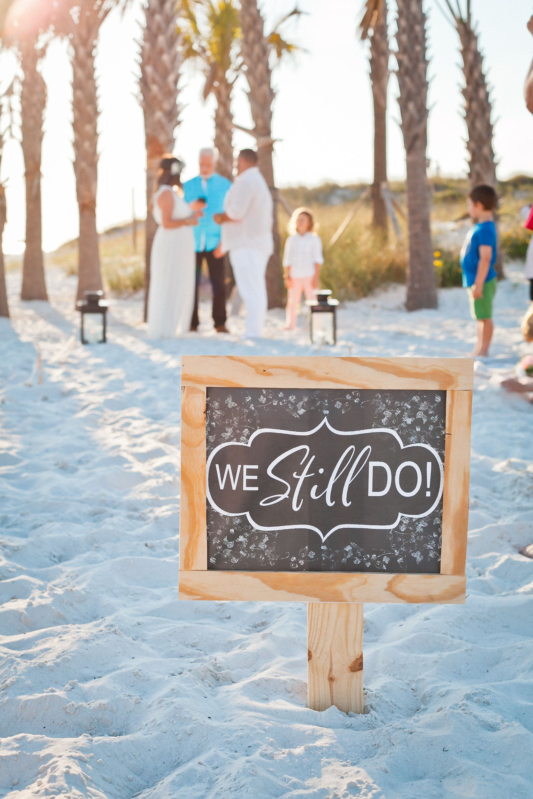 15 Years Of Marriage Holidays Parties Fresh Mommy Blog In 2020 Vow Renewal Beach Wedding Vow Renewal Ceremony Renewal Wedding