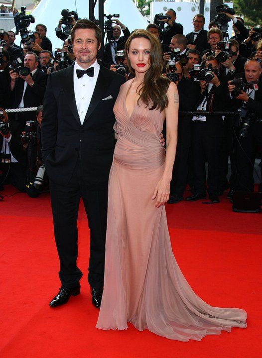 Angelina Jolie S 15 Most Memorable Red Carpet Looks Cannes Angelina Jolie Red Carpet Angelina Jolie Style Angelina Jolie Dress