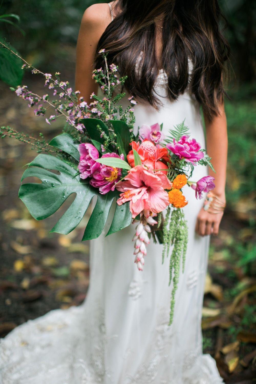 Hawaiian boho garden wedding inspiration in 2018 t d pinterest stunning hawaiian wedding bouquet izmirmasajfo