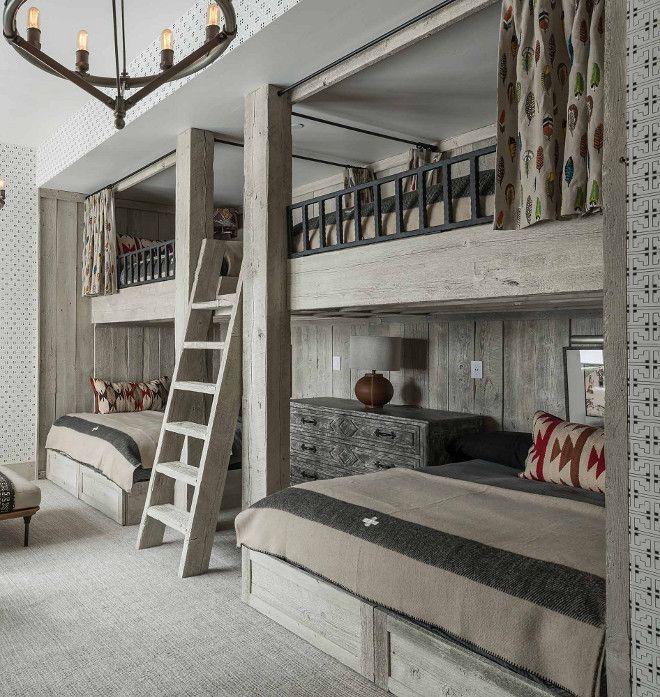 Photo of Rustikk soverom med hvitkalkede køyesenger i tre – Locati Architects …