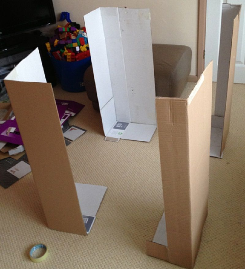 construire une cabane en carton cartonnages pinterest cabane en carton construire et carton. Black Bedroom Furniture Sets. Home Design Ideas