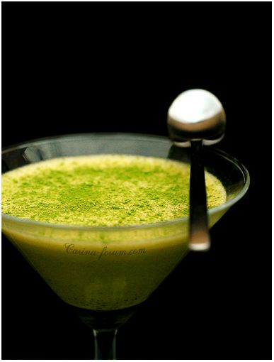 White chocolate mousse with matcha - by Carina