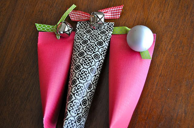 Sour Cream Containers for wrapping jewelry